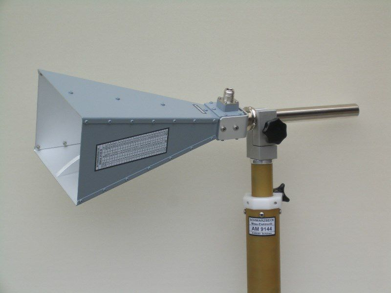 Double Ridged Horn Antennas